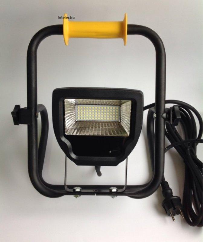 led strahler 30 watt 2300lm tragbar von intelectra led lampen strahler. Black Bedroom Furniture Sets. Home Design Ideas